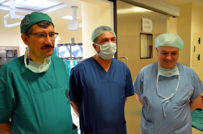Prof.Dr. Yılmaz'ın Gözetiminde Nakil Yapıldı