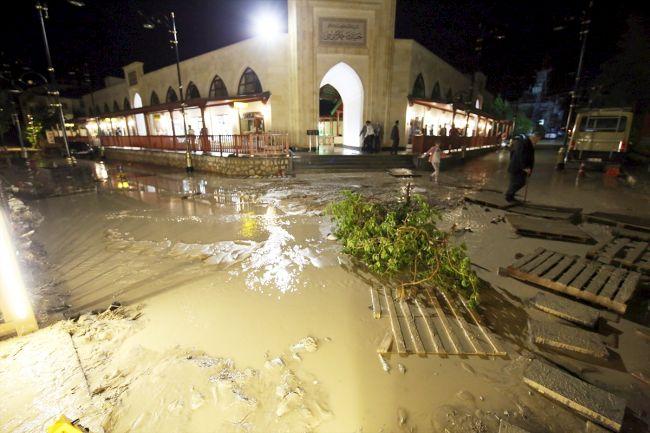 Darende'de Yağış Sele Yolaçtı