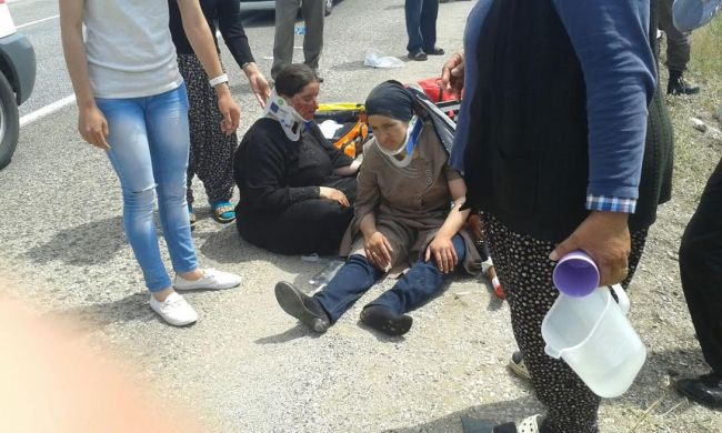 Minibüs Şarampola Uçtu: 1 Ölü, 15 Yaralı