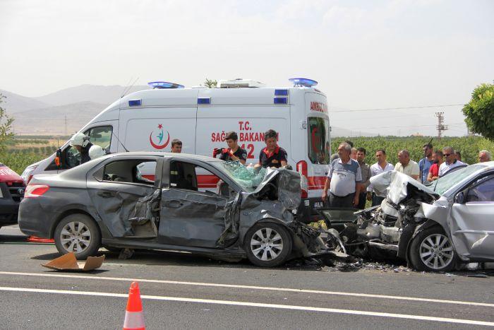 Malatya'da feci kaza, 4 ölü 8