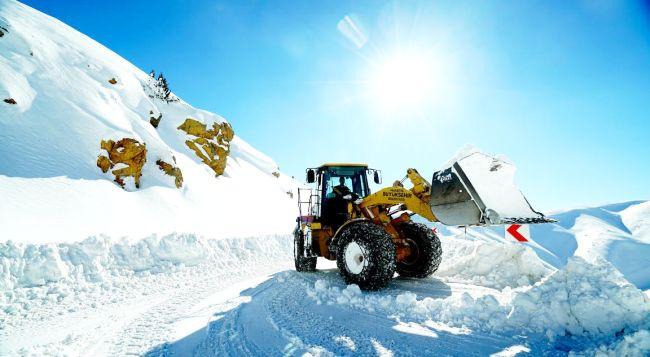 2 Bin Km. Yolda Kar Mücadelesi
