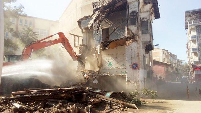 Metruk Binalar Genelgesi.. 'Tespit Edip Yıkın'