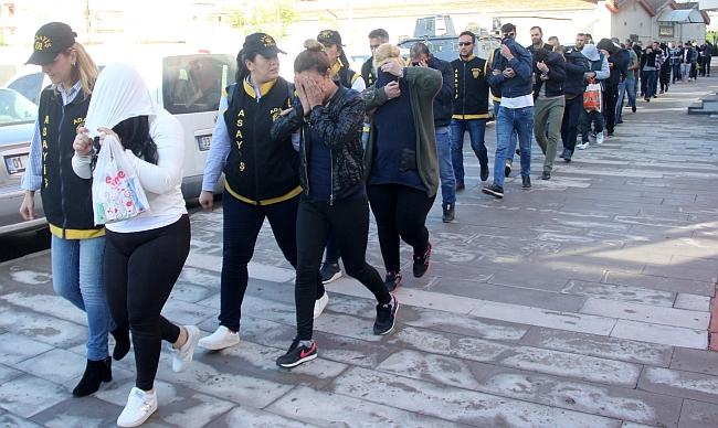 Polisten Eskort Sitesi Operasyonu