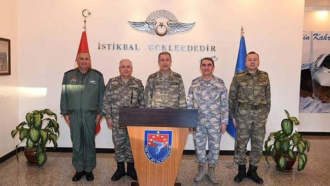 Komutanlardan 2. Ordu ve 7. Üsse Ziyaret