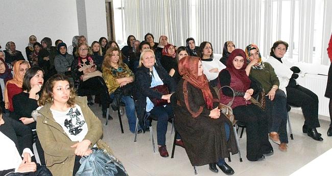 İP'den Kadınlar Günü Etkinliği
