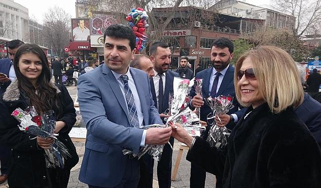 """""""Mutlu Kadın, Huzurlu Türkiye"""""""