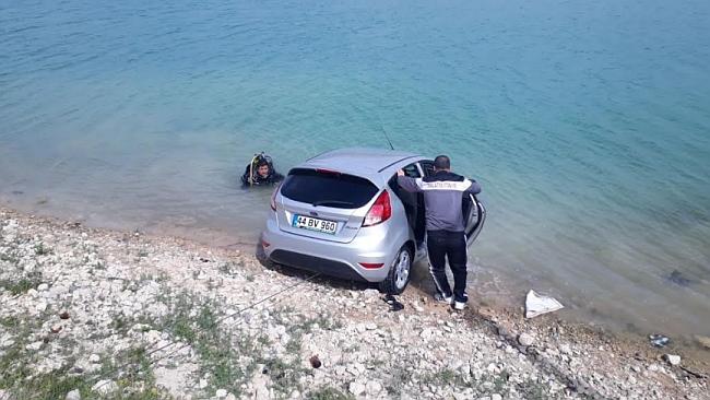 Otomobil Orduzu Pınarbaşı Göletine Uçtu