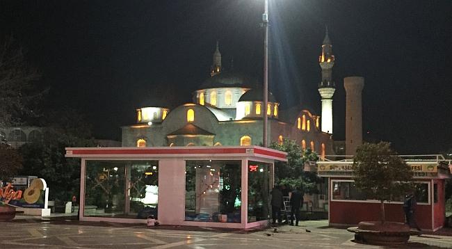 Kızılay Kabini Meydandan Kaldırıldı Ama..!