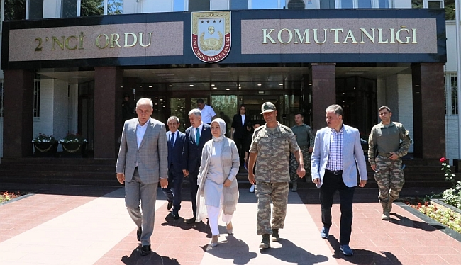 Ordu Komutanını Ziyaret Ettiler