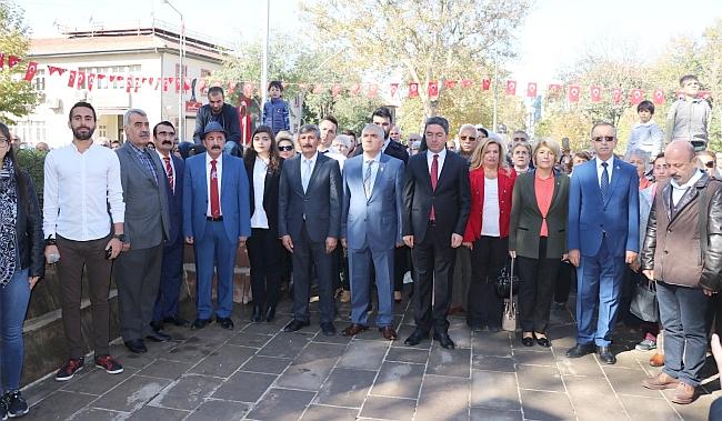 Atatürk Anıtı'nda Alternatif Tören