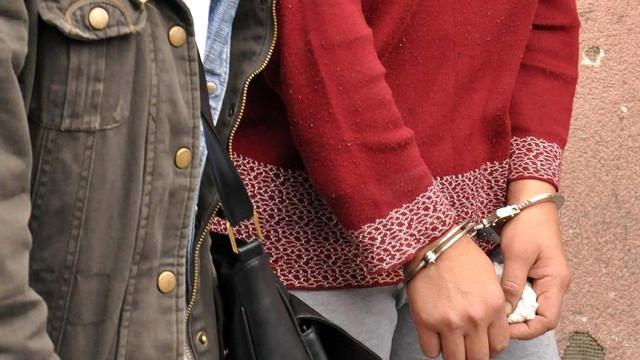 Kadın Avukata FETÖ'den Gözaltı