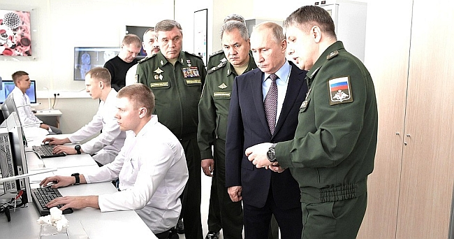 Putin'den 'Füzeleri Geliştirin' Talimatı