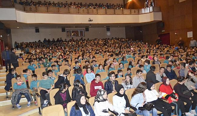 'Tuzak'ı 1700 Öğrenci İzledi