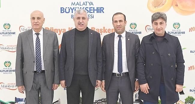 """""""Malatya Takımına Sahip Çıkıyor"""""""