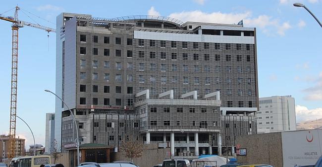"""""""Sağlık Yatırımları Şehir Hastanesi Kompleksine Dönüştü"""""""