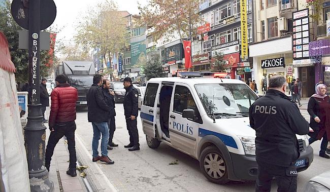 Polis Silah Patlamadan Müdahale Etti