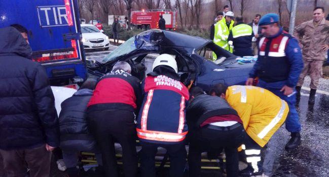 Kazada Komutan Öldü, Eşi ve 2 Çocuğu Yaralı