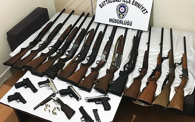 Polis 92 Bin Kişiyi Sorguladı, 130 Silah Ele Geçirdi