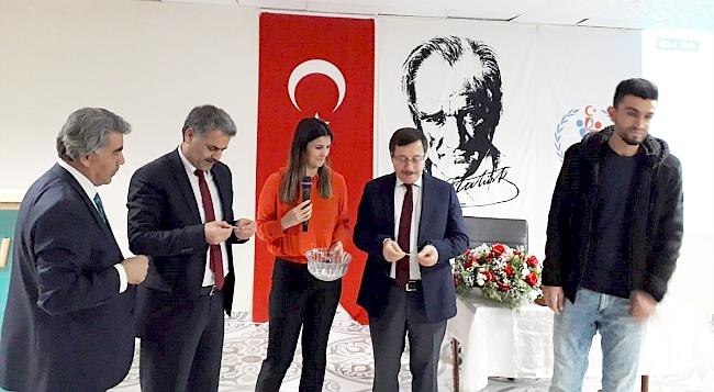 Rektör Kızılay KYK'nın Kariyer Günlerine Katıldı