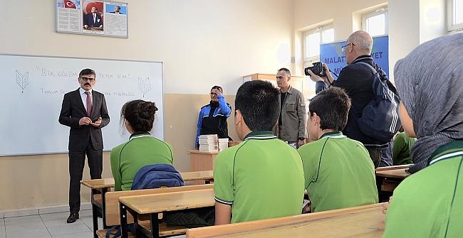 Emniyet'ten 10 Okulda Okuma Etkinliği