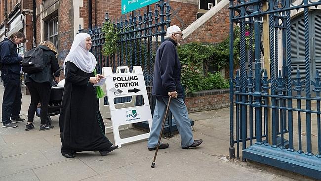 Müslümanlar İngiltere Seçimlerinin Kaderini Etkileyebilir