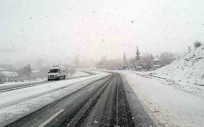 Elazığ- Malatya Yolunda Yoğun Kar Yağışı