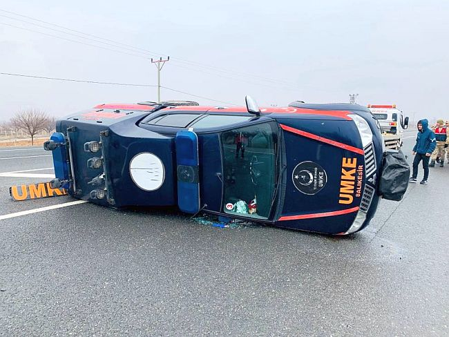 UMKE Ekibi Malatya'da Kaza Yaptı, 3 Yaralı