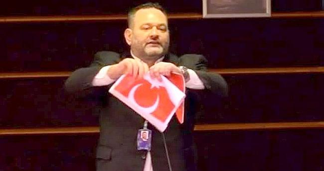 Türk Bayrağını Yırtan Yunanlı Vekil Tutuklandı