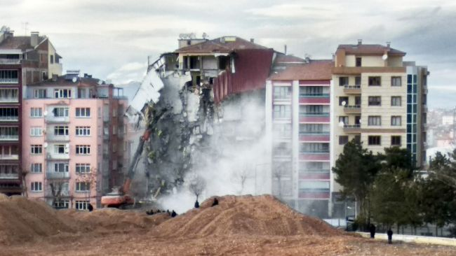 deprem yıkım2a