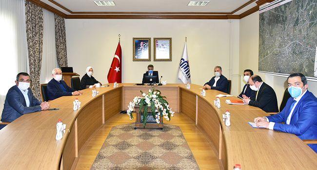 Niye Sadece AKP'liler Var?!