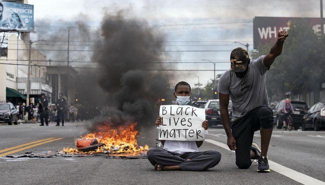 ABD'de Protestolar Büyüyor.. 25 Kentte Sokağa Çıkma Yasağı