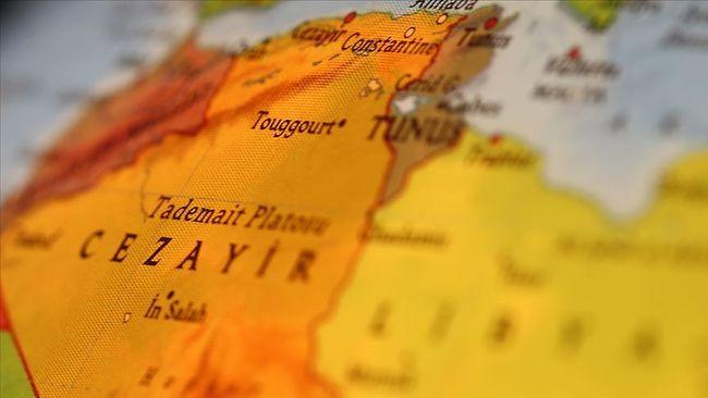 Cezayir'de, Macron'a Osmanlı Tepkisi