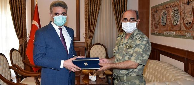 Emekliye Ayrılan 2. Ordu Kurmay Başkanı Veda Etti