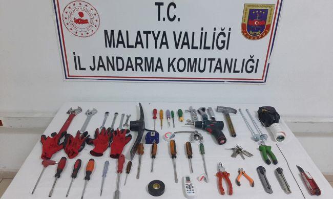 Baz İstasyonu Hırsızları 'Fotokapan'a Yakalandı