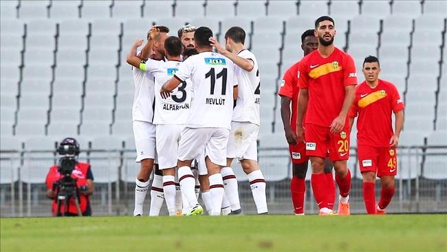Yeni Malatya, Karagümrük Karşısında Dağıldı:3-0