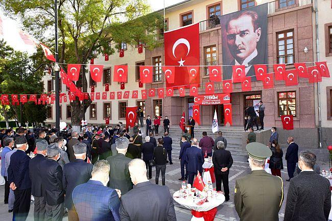 'Merdiven Önü' Cumhuriyet Bayramı!