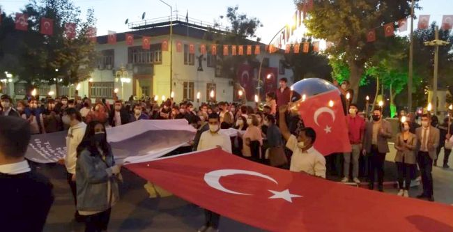 CHP'den 'Cumhuriyet' Fener Alayı