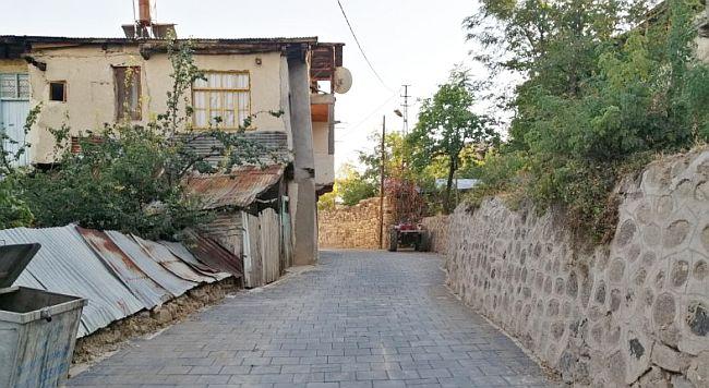 Arapgir Sokaklarına Karo Taşı