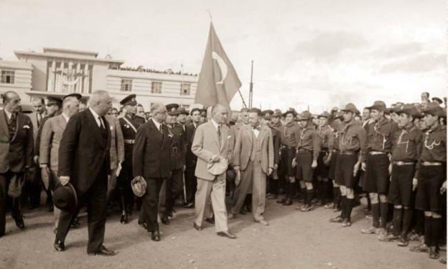 """83 Yıl Önce İkinci Kez.. """"Atatürk, Malatya'yı Şereflendirdiler"""""""