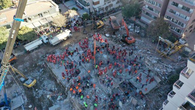 İzmir'de Ölü Sayısı 73'e Yükseldi