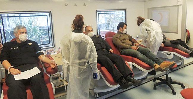 Malatya Polisinden Kan Bağışı