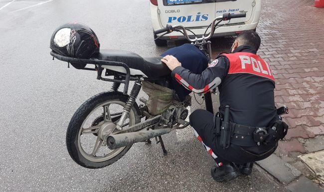 Polis Yakaladı, Çalıntı Çıktı