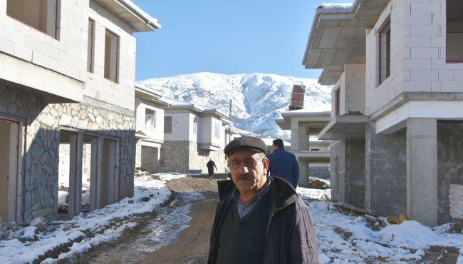 Depremde Kaybettiği Kardeşinin Acısını Hâlâ Yaşıyor