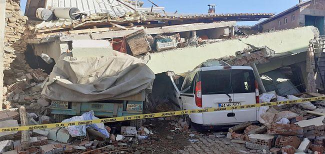 deprem hasar3