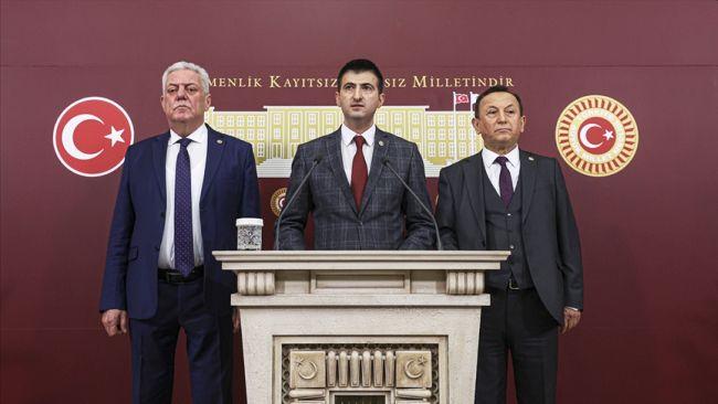 CHP'de 3 Milletvekili İstifası