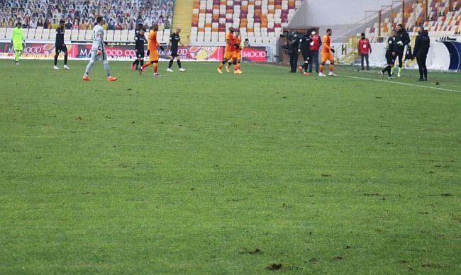 Maç Kadar Stadın Kötü Zemini Konuşuldu