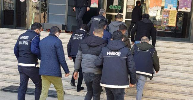 Narkotik'in Torbacı Operasyonunda 13 Tutuklama