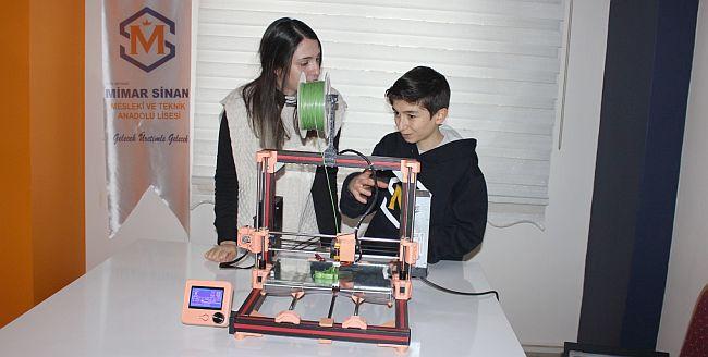 Uzaktan Dersle 3D Yazıcı Yaptılar