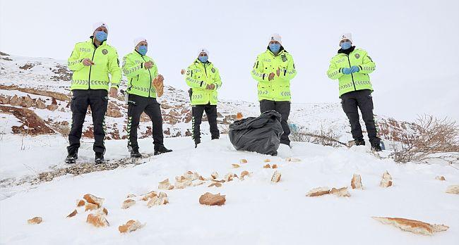 Polisler Doğaya Yem bıraktı