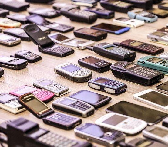 Cep Telefonları Hayatın Merkezine Yerleşti